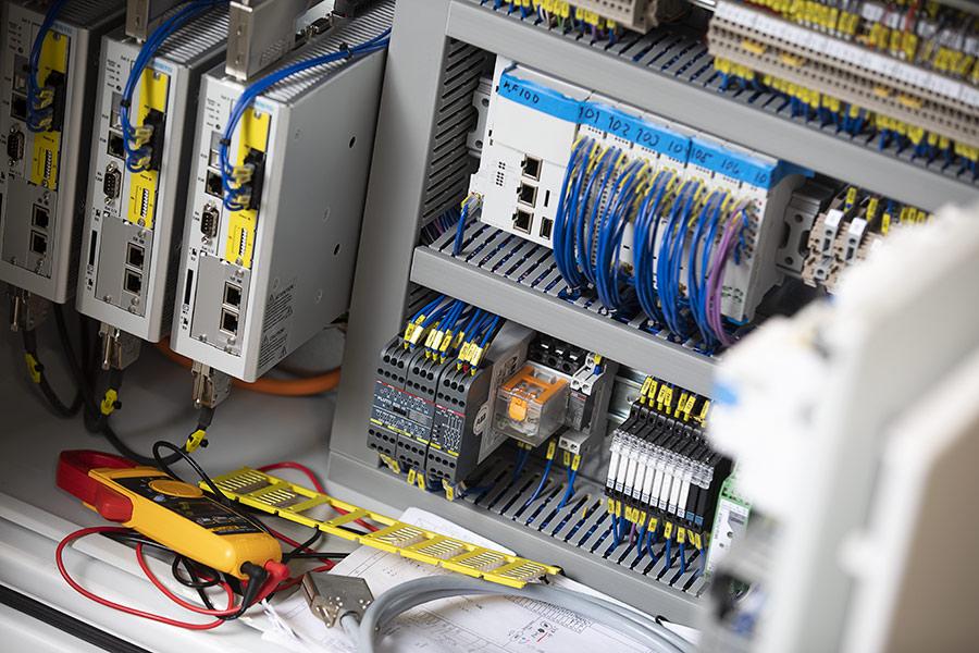 SERVICE & SUPPORT är något Elpro i Alingsås, Västra Götaland planerar in med kund i samband med installation